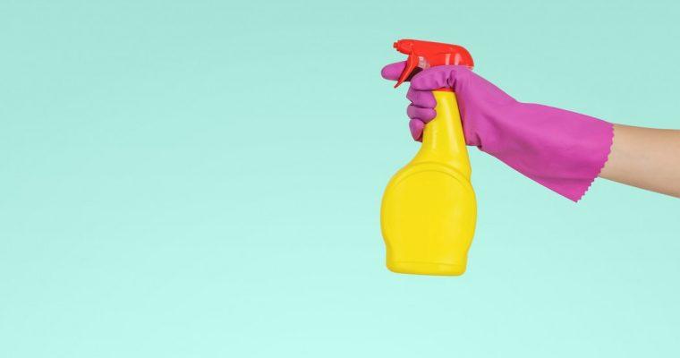 Firma sprzątająca – dlaczego warto skorzystać z jej usług przed świętami?