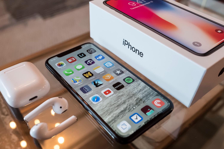 Jak działa używanie numeru telefonu komórkowego jako Apple ID?
